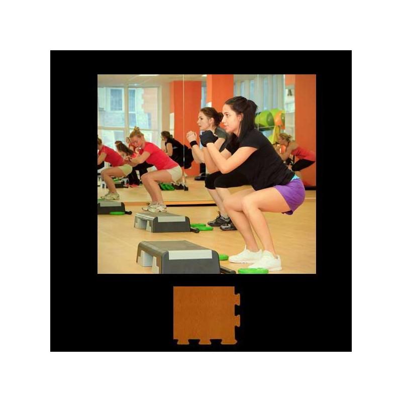 Esquina en forma de cuña, para remate de pavimento o suelo gimnasio aerobic piezas de  15X15X1 cm