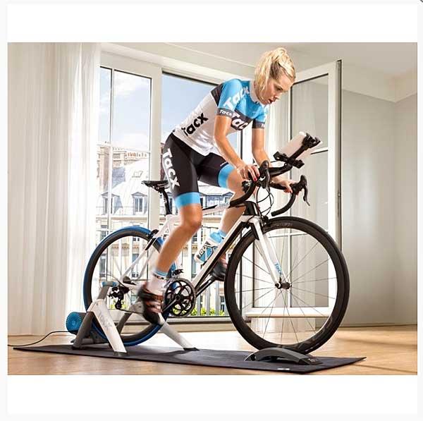 Rodillo de entrenamiento multimedia para ciclistas, utilizando tablets y teléfonos móviles inteligentes Tacx Vortex Smart T2180