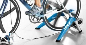 Rodillo de entrenamiento para bicicleta Tacx Satori Smart T2400