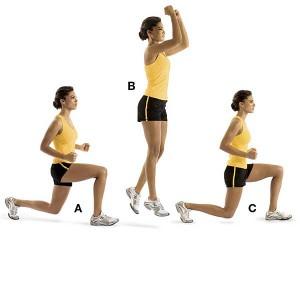 Repetir varias veces saltos con estocada, como se ve en la imagen, es un buen entrenamiento por intervalos de alta intensidad