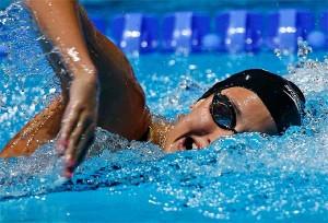 Nadar es un completo ejercicio para todo el cuerpo.