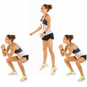 Ejecutando sentadillas con salto puedes realizar entrenamientos de alta intensidad