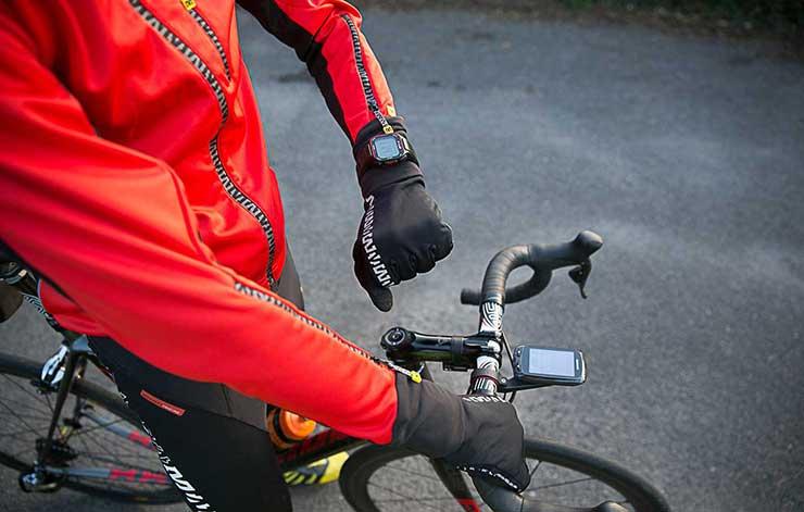 Es importante utilizar medidores de potencia y pulsómetros en el entrenamiento ciclista