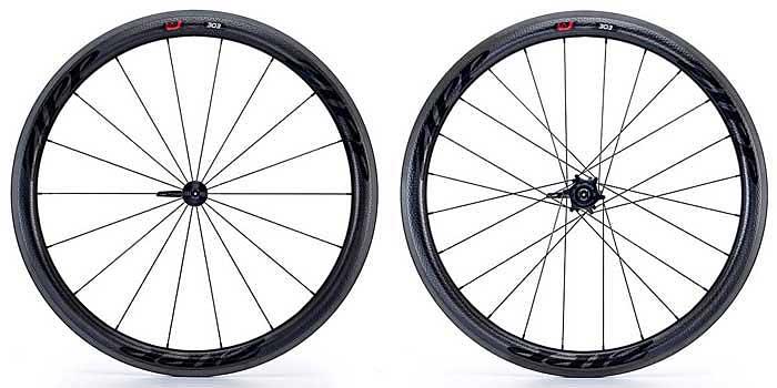 Ruedas Zipp 303 Firecrest Carbono para cubierta, ligeras de gran rigidez, aceleración y un aerodinamismo excepcional para bicicletas de competición.