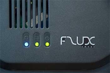 El rodillo de entrenamiento TACX FLUX tiene tres luces LED que informan sobre el estado de conexión y energía.