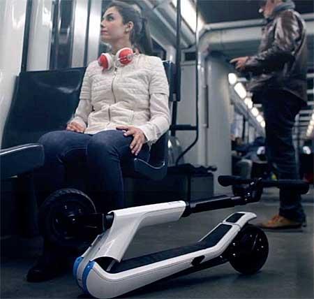 Por su facilidad de plegado y poco sitio que ocupan los patinetes eléctricos se pueden llevar en el transporte público