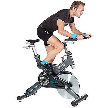 Las bicicletas de spinning son excelentes para pedalear como máquinas de ejercicio para casa