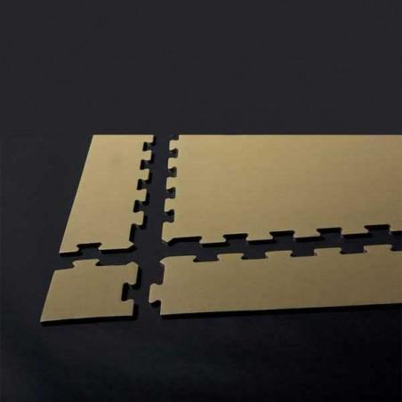 Modo de montaje de la esquina para remate de pavimento o suelo gimnasio aerobic piezas de 12X12X1 cm