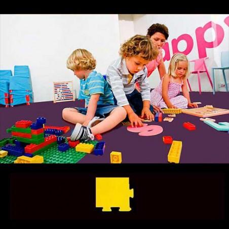 Esquina en cuña para acabado de suelo en área de juegos infantiles 15x12x2 cm