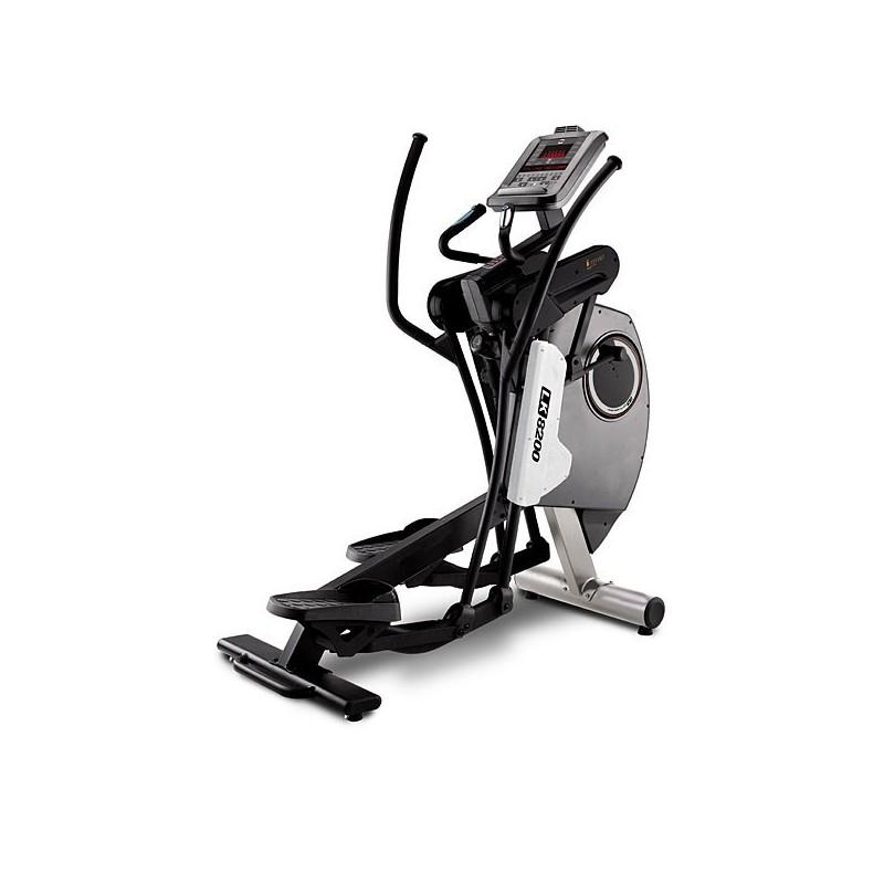 Bicicleta elíptica para uso profesional en gimnasios y centros deportivos BH LK8200 G820