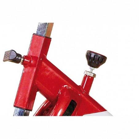 Sistema de regulación de la resistencia y altura del manillar en la bicicleta de spinning BH SB1.4