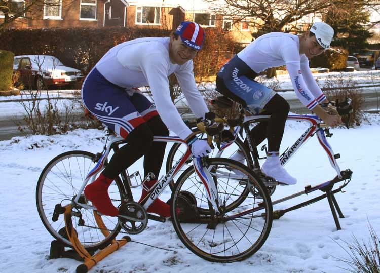 Para adquirir un buen pico de forma es importante realizar un buen entrenamiento de base para ciclismo